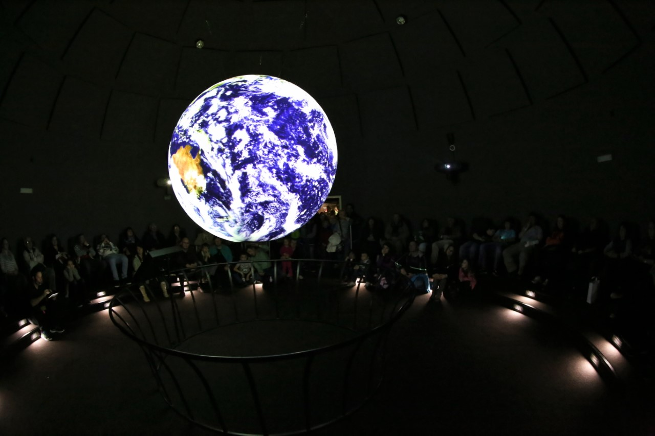 techmania_science_on_a_sphere_04.jpg